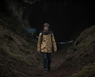 """""""Dark"""" : Netflix et le thriller scientifico-ésotérique"""