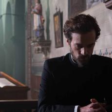Romain Duris en prêtre séducteur chez Nicolas Boukhrief