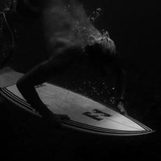 Sable Noir : Desillusion et l'art du Surf