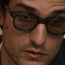 Louis Garrel est Jean-Luc Godard pour Michel Hazanavicius