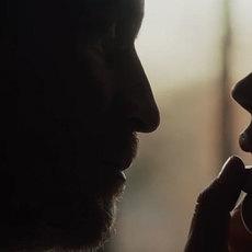 """François Ozon dévoile un teaser intriguant pour son film """"L'Amant Double"""""""