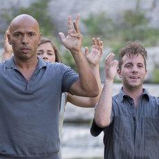 Éric Judor affronte une pandémie et une communauté hippie dans son nouveau film Problemos