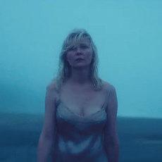"Kirsten Dunst revient avec ""Woodshock"", entre deuil et hallucinations"