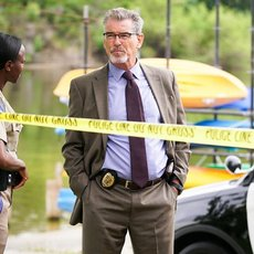 "Pierce Brosnan en détective dans le thriller ""Spinning Man"""