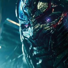 Tu croyais qu'il n'y aurait plus de nouveau trailer pour Transformers : The Last Knight ? Eh beh si.