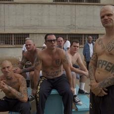 Nouvelle bande-annonce haletante  de SHOT CALLER, thriller carcéral avec Nikolaj Coster-Waldau et Jon Bernthal