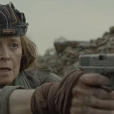 "Sigourney Weaver tente de sauver l'humanité dans ""Rakka"" de Neill Blomkamp"