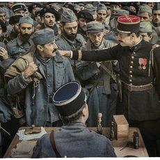 """Albert Dupontel revient très fort au cinéma avec le magnifique """"Au revoir là-haut"""""""