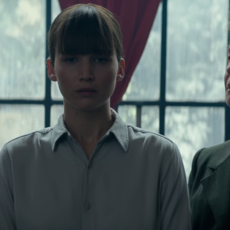 """Jennifer Lawrence retrouve le réalisateur des """"Hunger Games"""" avec le sensuel et violent """"Red Sparrow"""""""