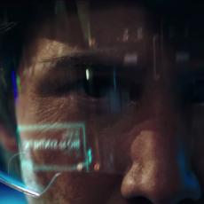 "Keanu Reeves tente de ressusciter ses proches dans ""Replicas"""