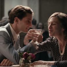 """Un trailer bien épique pour """"La Promesse de l'Aube"""" avec Pierre Niney et Charlotte Gainsbourg"""