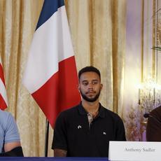 """Bande-annonce de """"The 15:17 to Paris"""" de  Clint Eastwood inspiré de l'attentat du train Thalys en 2015"""