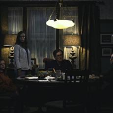"""La bande-annonce pas du tout flippante de """"Hereditary"""" avec Toni Collette et Gabriel Byrne"""