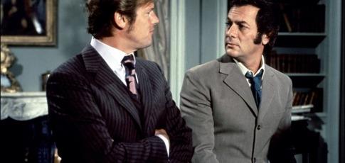 1 - Comme le nombre de saison de la série Amicalement vôtre avec Roger Moore et Tony Curtis