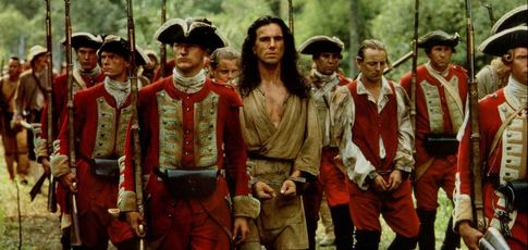 """8 - Comme le nombre de semaines passées par Daniel Day-Lewis en forêt pour préparer son rôle dans """"Le Dernier des Mohicans"""" de Michael Mann"""