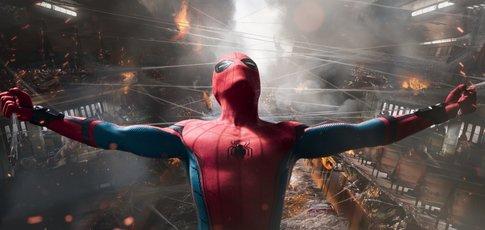 """14 - Comme la hauteur de la maquette du vrai ferry de Staten Island pour l'une des séquences les plus impressionnantes de """"Spider-Man: Homecoming"""""""
