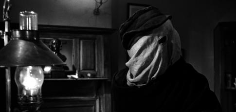 """12 - Comme le nombre d'heures durant lesquelles John Hurt devait porter son maquillage de Joseph Merrick dans """"Elephant Man"""" de David Lynch"""
