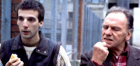 """1 - Comme le premier film réalisé par Jacques Audiard """"Regarde les hommes tomber"""" sorti en 1994"""