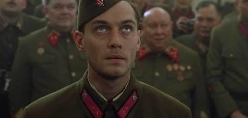 """225  - Comme le nombre d'officiers et soldats allemands abattus par Vassili Zaïtsev, tireur d'élite soviétique, qui inspira le personnage interprété par Jude Law dans """"Stalingrad"""" de Jean-Jacques Annaud"""