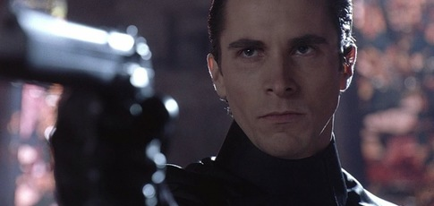 """120  - Comme, en pourcentage, l'augmentation de la puissance de tir par la maitrise du gun-kata dans """"Equilibrium"""" avec Christian Bale"""
