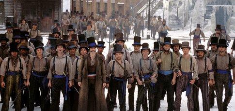 """2002 - comme l'année de sortie """"Gangs of New York"""" de  Martin Scorsese avec Leonardo DiCaprio et Daniel Day-Lewis"""