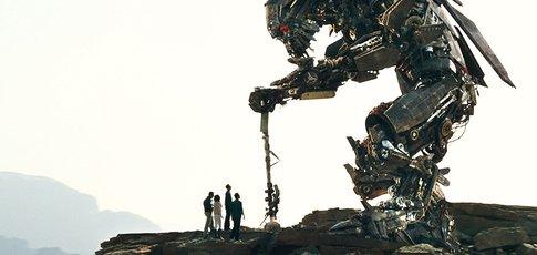 """300 - Comme le nombre de personnes de la société ILM ayant travaillé sur les effets visuels de """"Transformers 2 : La Revanche"""" de Michael Bay"""