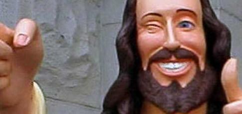 5600 - Comme le nombre de coups de fouet reçus par Jesus (Jim Caviezel) dans le film de Mel Gibson, La Passion du Christ (2004)