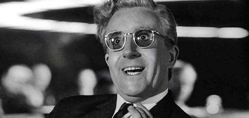 1 - Comme le salaire en million de dollars de Peter Sellers pour Docteur Folamour (Dr. Strangelove) de Stanley Kubrick, soit 55% du budget du film